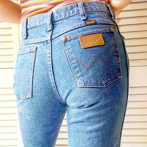 WRANGLER vintage straight high rise mom jeans